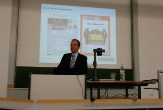 Ulrich Schäfer bei seinem Vortrag