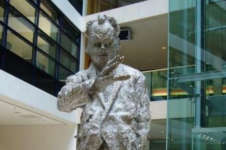 Willy-Brandt-Statue in der SPD-Zentrale