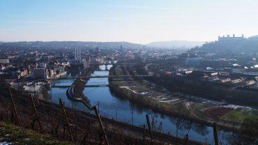 Bild von Würzburg, aufgenommen von den Weinbergen