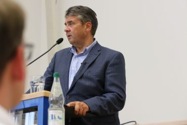 """""""Europa in einer unbequemen Welt"""" - Sigmar Gabriel zu Gast an der WiWi-Fakultät."""