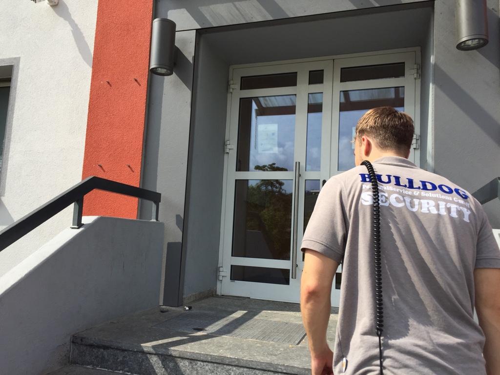 Dominik Gretschel auf dem Weg zur Arbeit. Bild: Ruven Fahlteich
