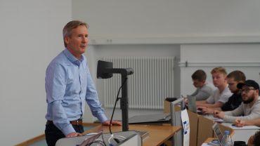Ingo Alphéus von Belectric zu Gast an der WiWi-Fakultät. Bild: Claudio Höll